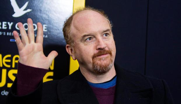 Humorista norteamericano es acusado de abuso sexual por cinco mujeres — Louis CK