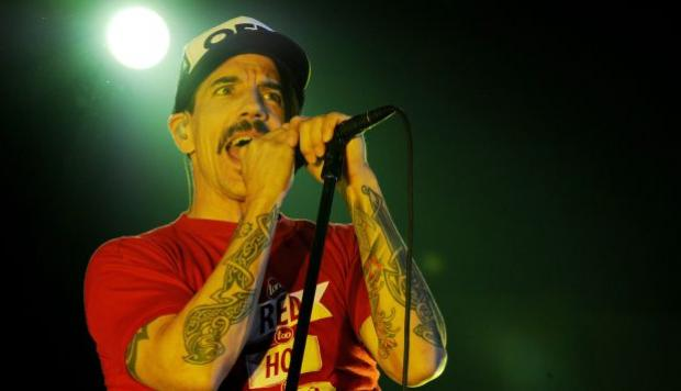 El cantante de Red Hot Chili Peppers Anthony Kiedis fue internado de emergencia. (EFE)