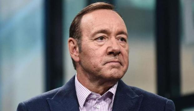 Dictan sentencia del actor Kevin Spacey por abuso
