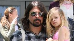 La hija de 8 años de Dave Grohl tocó junto a Foo Fighters [VIDEO]