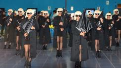 Dobles de Charlize Theron en infartante flashmob