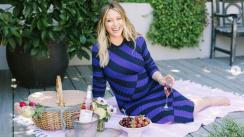 Hilary Duff luce su embarazo en adorable foto en bikini [FOTOS]
