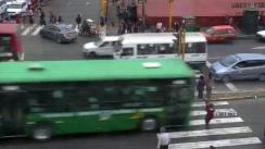 Bus atropella a madre e hijo en Av. Abancay [VIDEO]