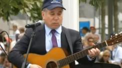 Paul Simon conmueve YouTube con esta emotiva versión de 'The Sound of Silence' | VIDEO