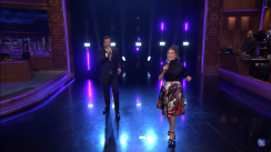 Millie Bobby Brown demostró su talento para el canto en el programa de Jimmy Fallon [VIDEO]