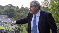 Boris Johnson se compromete a