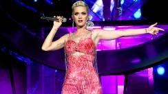 Katy Perry vuelve a ser acusada por acoso sexual [FOTOS]