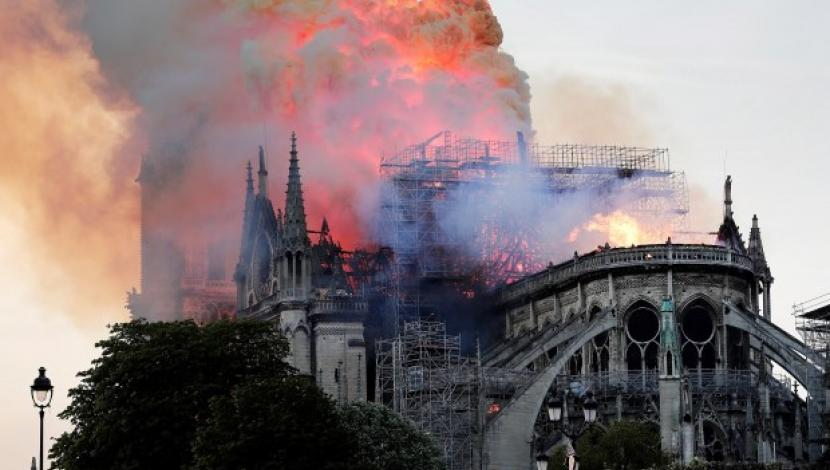 Notre Dame, YouTube