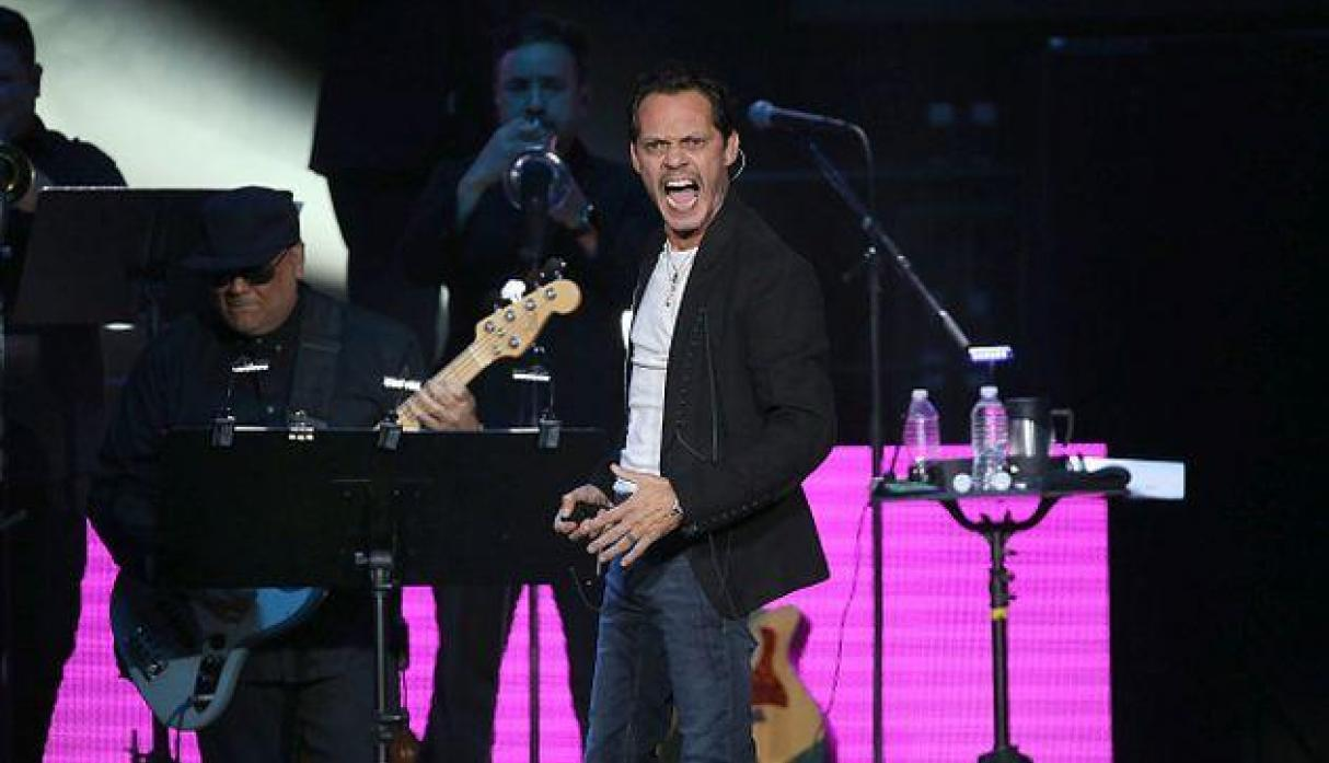 Marc Anthony enseña a bailar salsa al actor Will Smith
