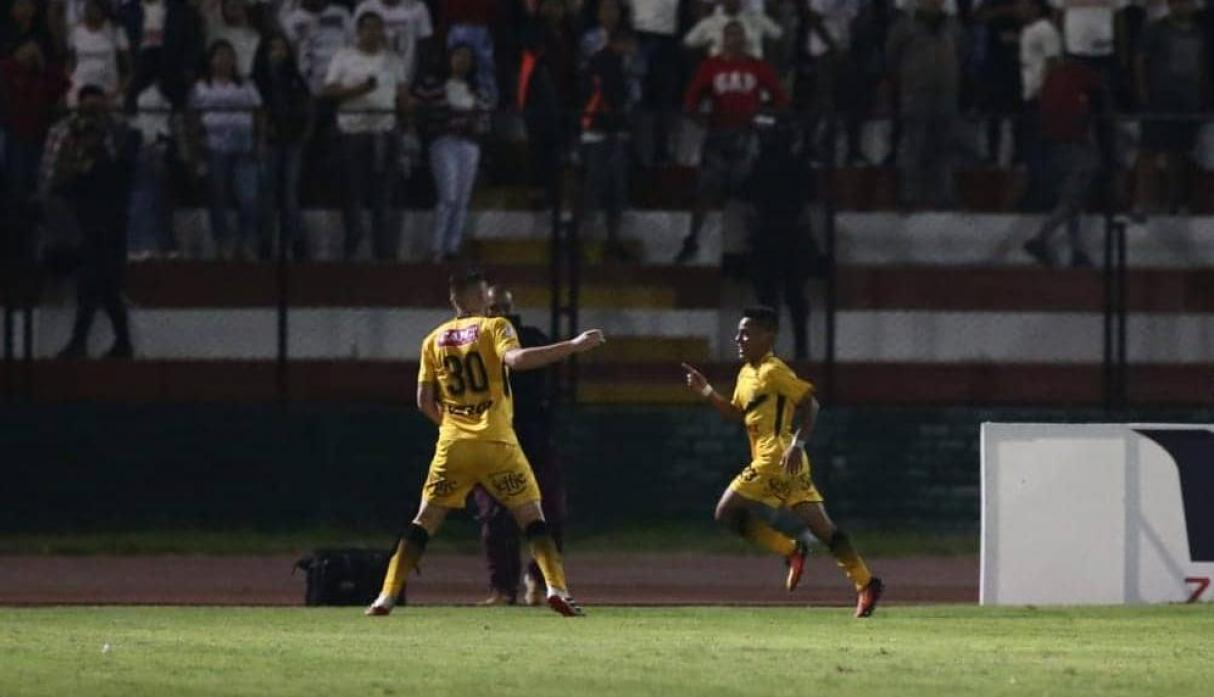 Universitario de Deportes vs. Cantolao