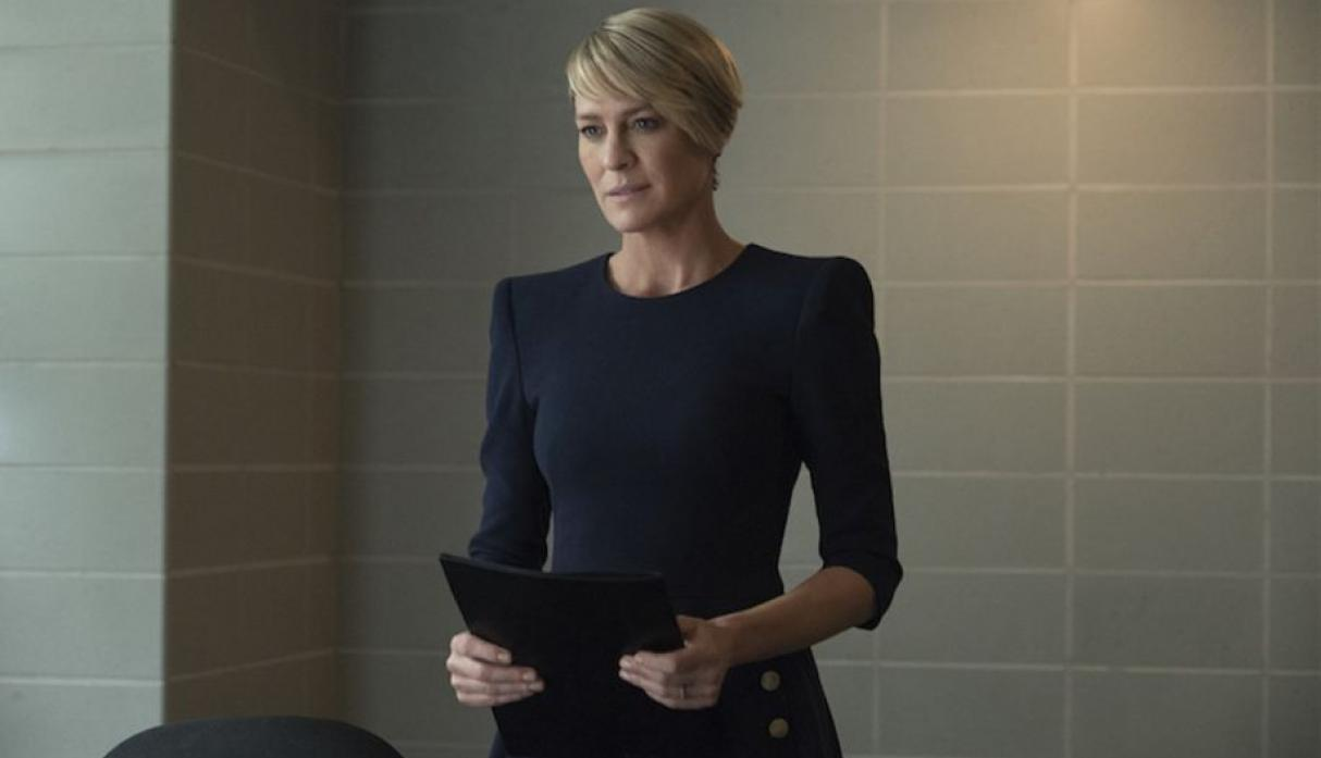Robin Wright cuestionó que Netflix no le pague igual que a Kevin Spacey.