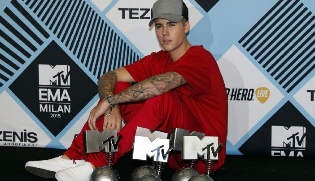 Justin Bieber arrasó en los MTV Europe Music Awards. (AP)