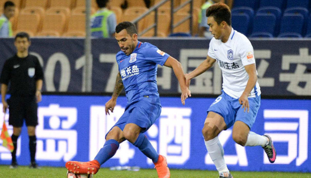 Carlitos decidió irse toda la temporada pasada a China, en el club Shanghai Shenhua. (Getty Images)