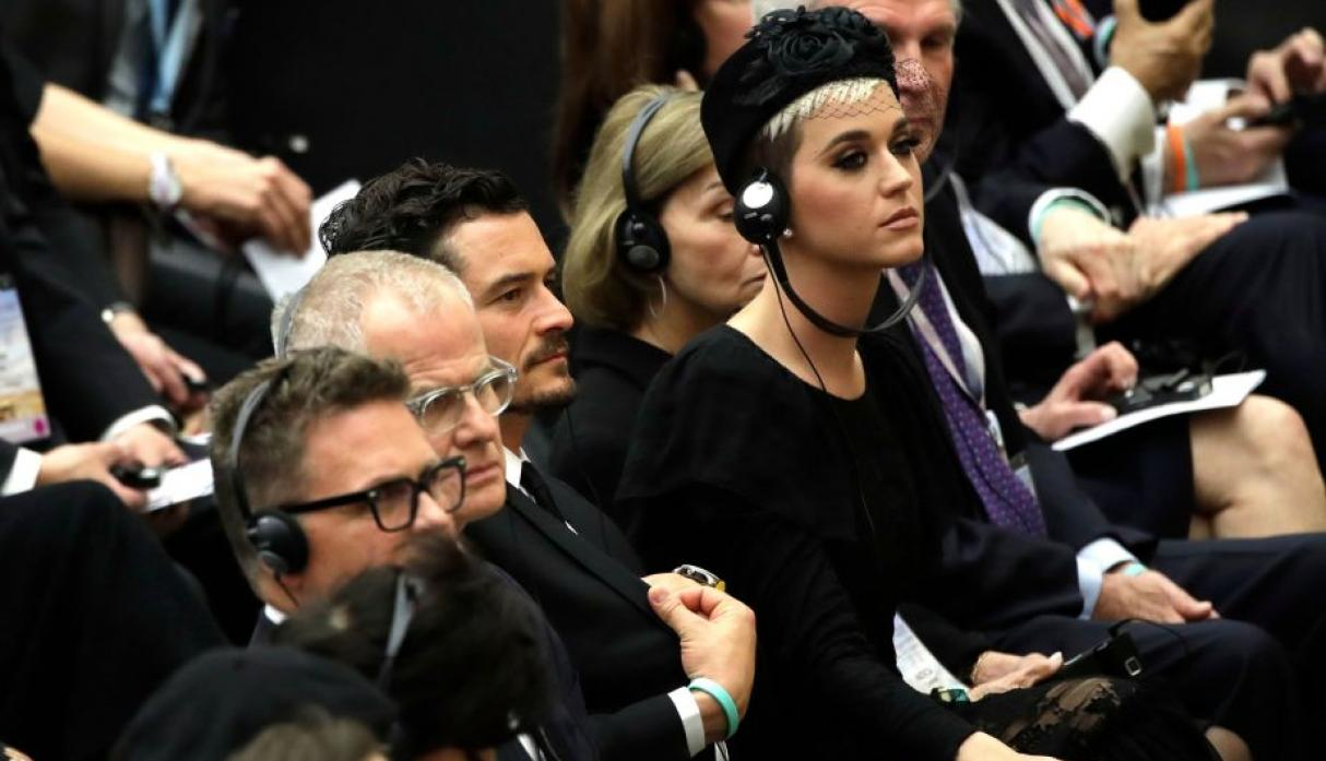 Saluda papa Francisco a Katy Perry, Orlando Bloom y Peter Gabriel