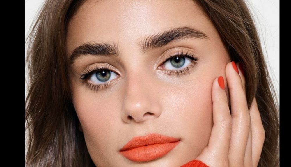 maquillaje, living coral