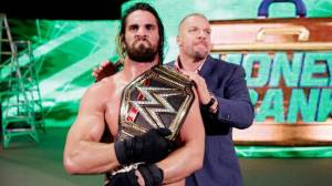 WWE: Seth Rollins retuvo su título en Money in the Bank [Fotos y video]